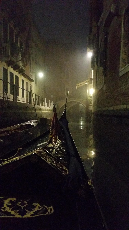Gondoles et brouillard – Gondoles and fog