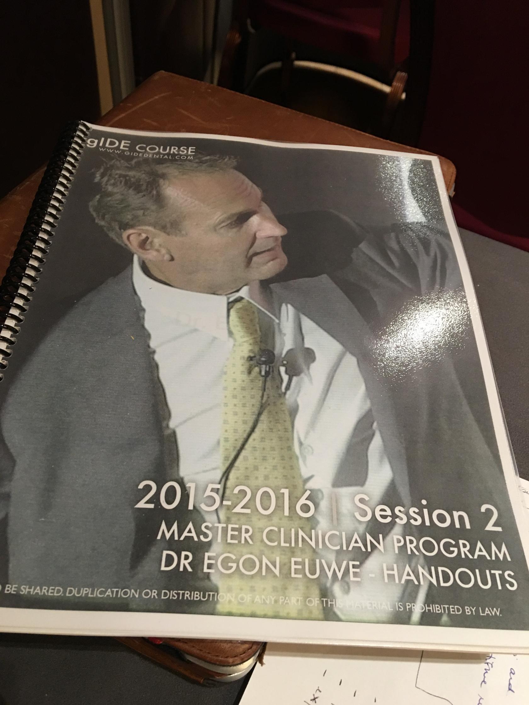 Un air de Kevin Costner pour le Dr Euwe – Dr Euwe looks like Kevin Costner